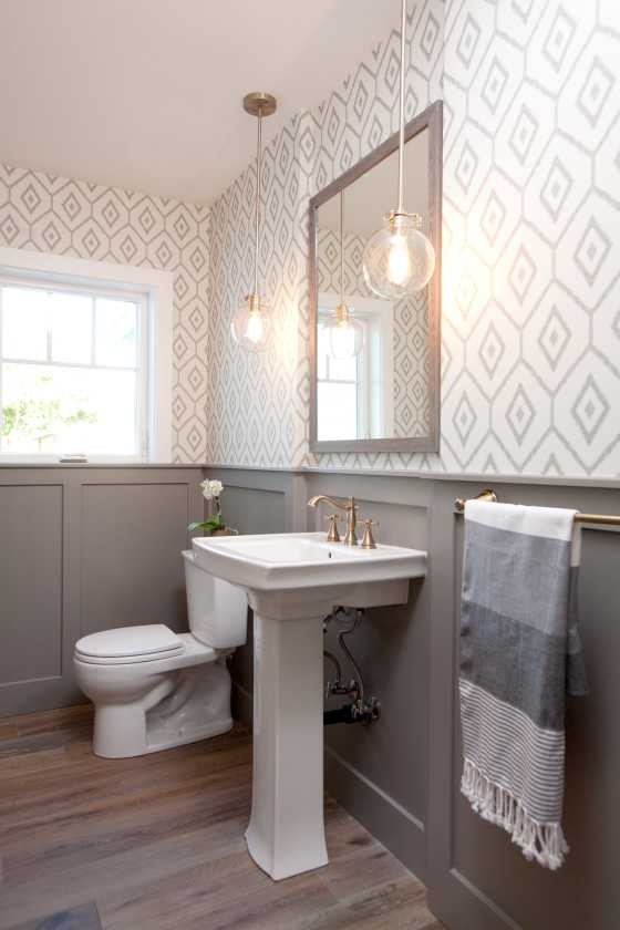 Best Farmhouse Bathroom Colors
