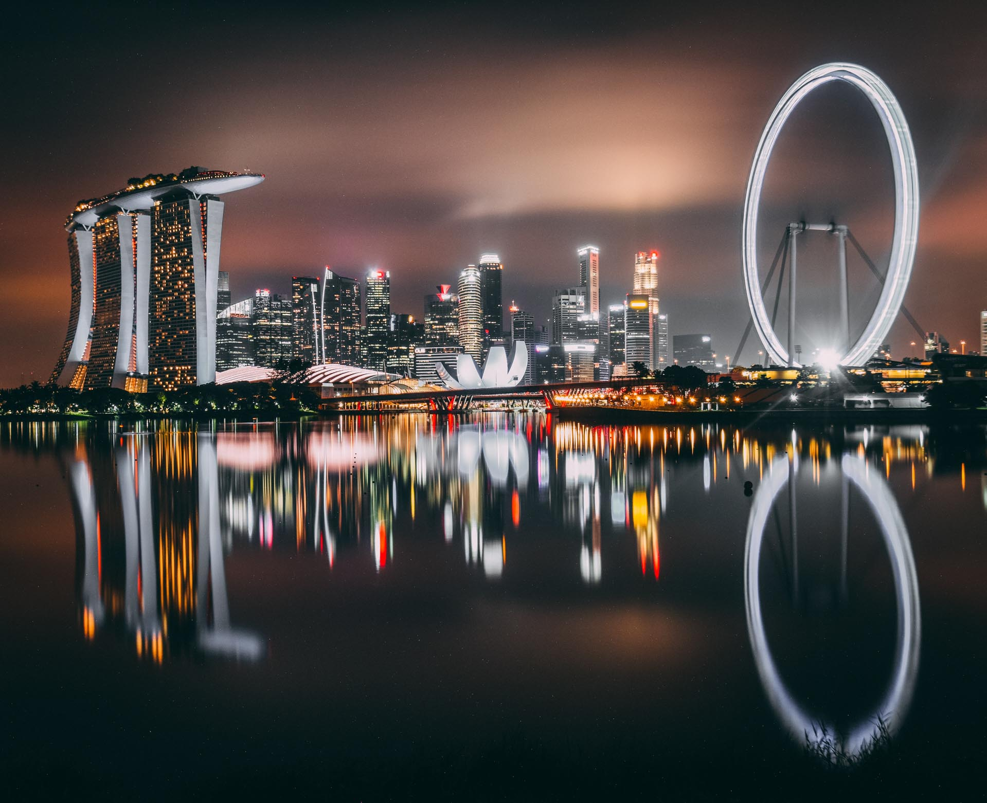 Best time to visit Singapore - View Gardens by the bay by night