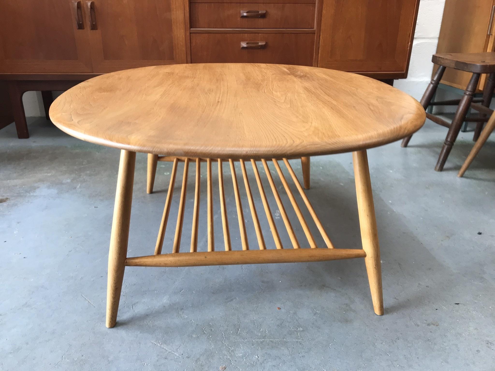 Beautiful Mid Century Vintage Ercol Oval Coffee Supper Table