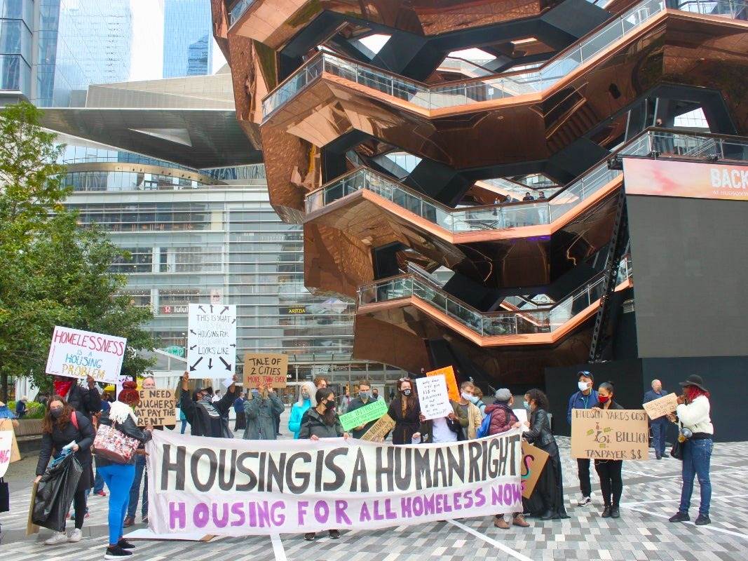hudson yards homeless protest   27181722439 1 - House The Homeless In Hudson Yards, Protesters Say