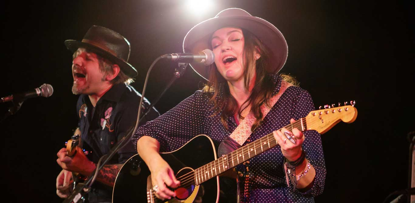 """Angie and the Deserters – """"Country Radio"""""""