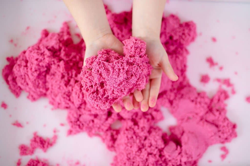 Make DIY moon sand for a fun sensory play experience that's like a day at the beach! | via barley & birch