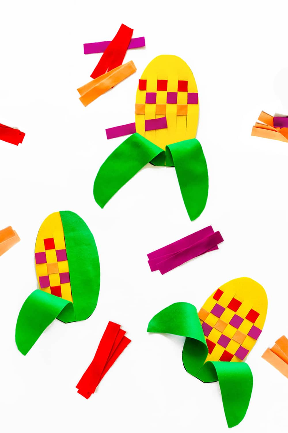 You can make this fun fall Indian corn weaving felt toy for your pre-schooler or kindergartner in minutes! Fantastic fine motor skill and pattern-making practice!