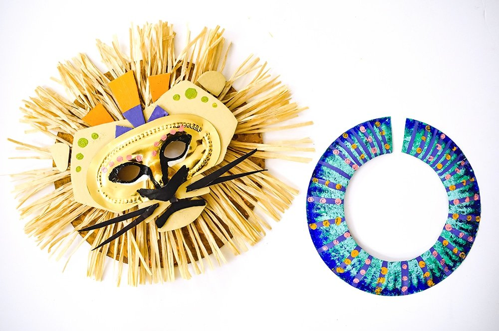 Make a lion mask fit for a king with simple supplies! A most regal DIY no-sew costume for kids.