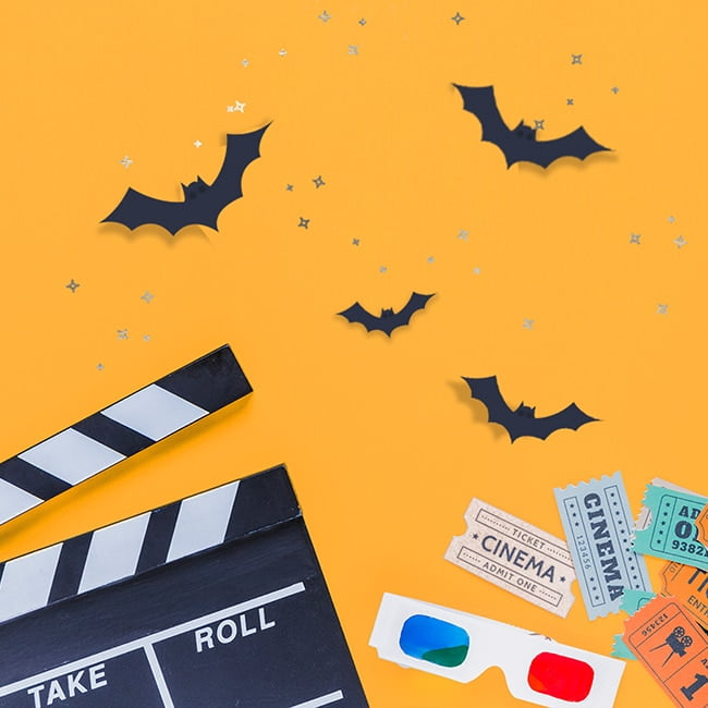 25 frighteningly fun ideas for a family Halloween movie & craft night! | via barley & birch