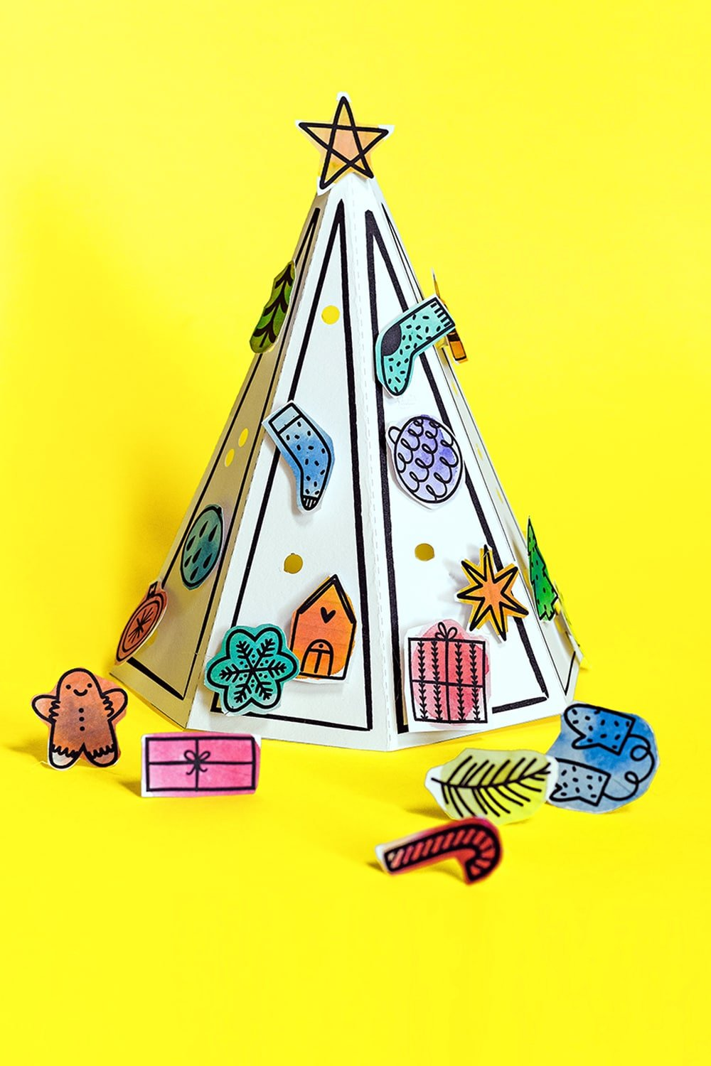 Our 3D paper tree Advent calendar with pop-in ornaments is a fun holiday art activity for kids! | via barley & birch