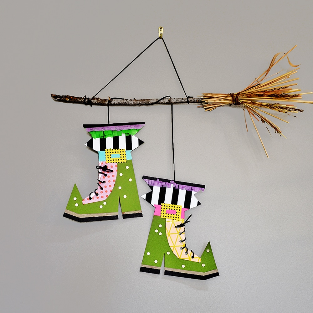 Design your own pair of witch or warlock boots with this creative mixed media Halloween art project! | via barley & birch