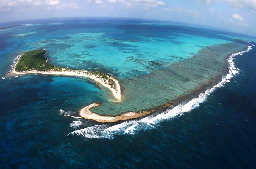 belize_snorkeling_guide_half_moon_caye_chaa_creek