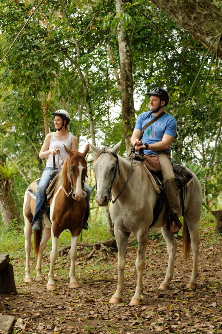 belize-chaa-creek-romantic-horseback