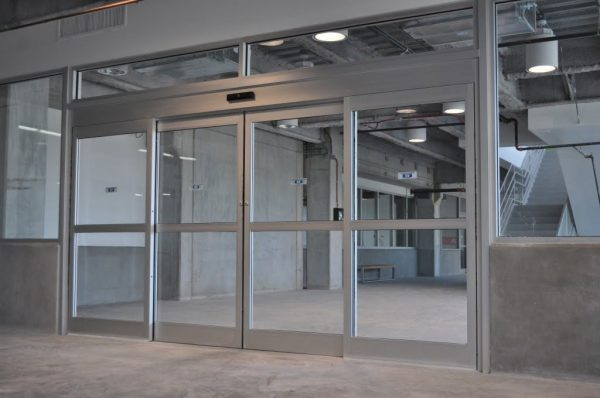 record 5400 series automatic hurricane impact rated sliding door 289