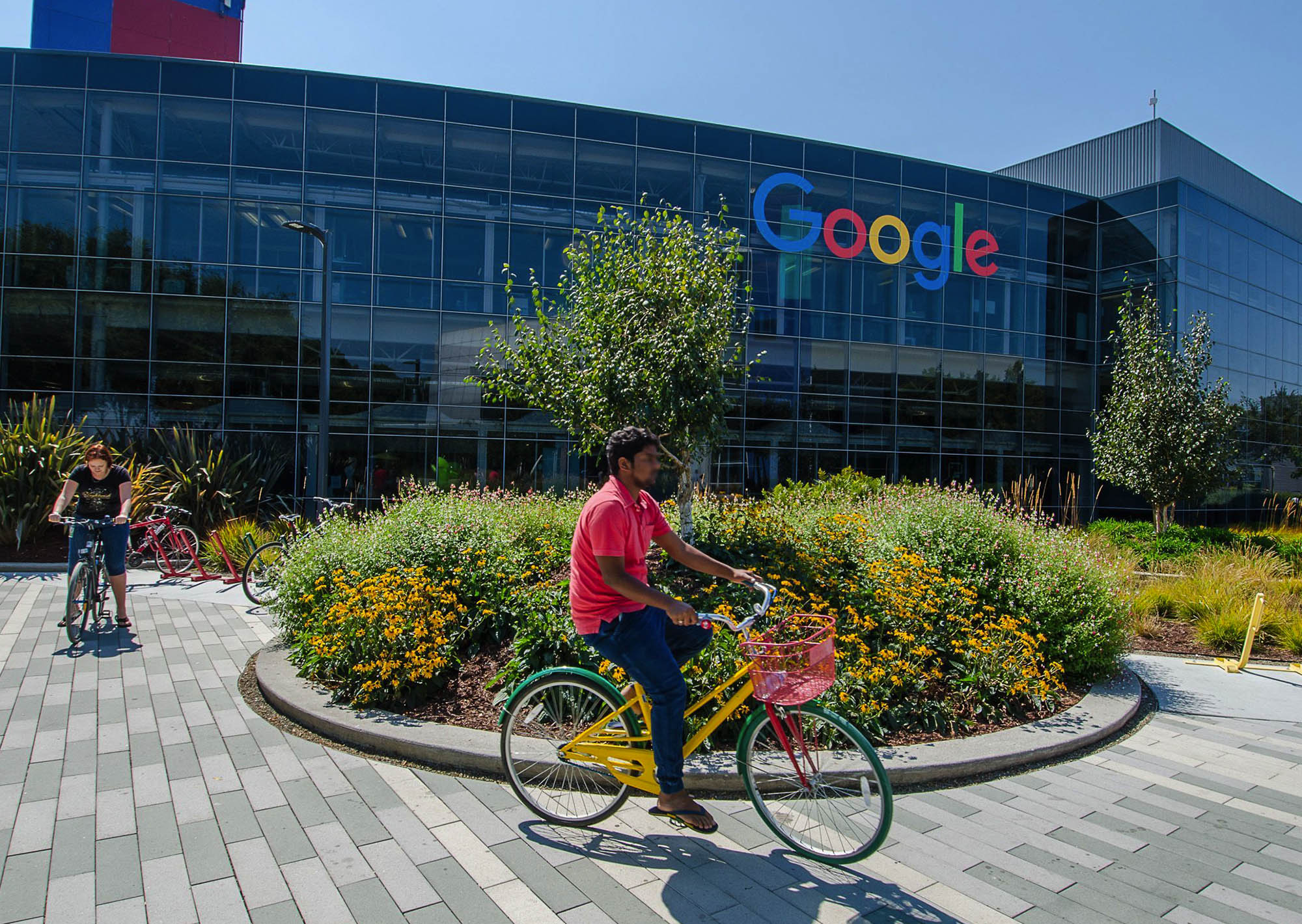 Googleplex in Mountain View (tripsavvy.com)