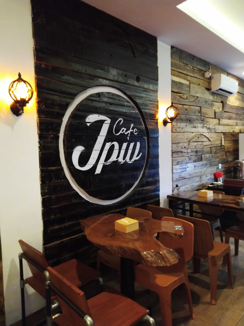 JPW coffee and showroom (MoneySmart/Nisa)