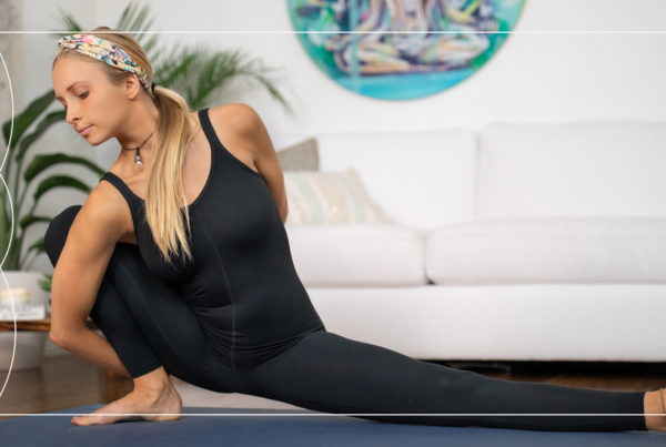 Join yoga teacher Juliana Spicoluk for a 20 minute free Boho Beautiful Feel Good yoga flow that will connect you to your inner energy.