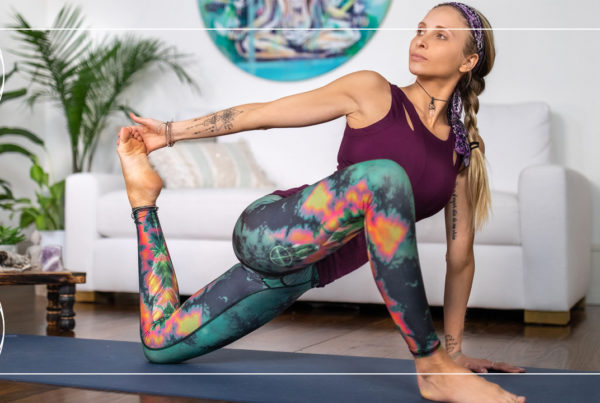 Juliana Spicoluk teaches a free power yoga workout