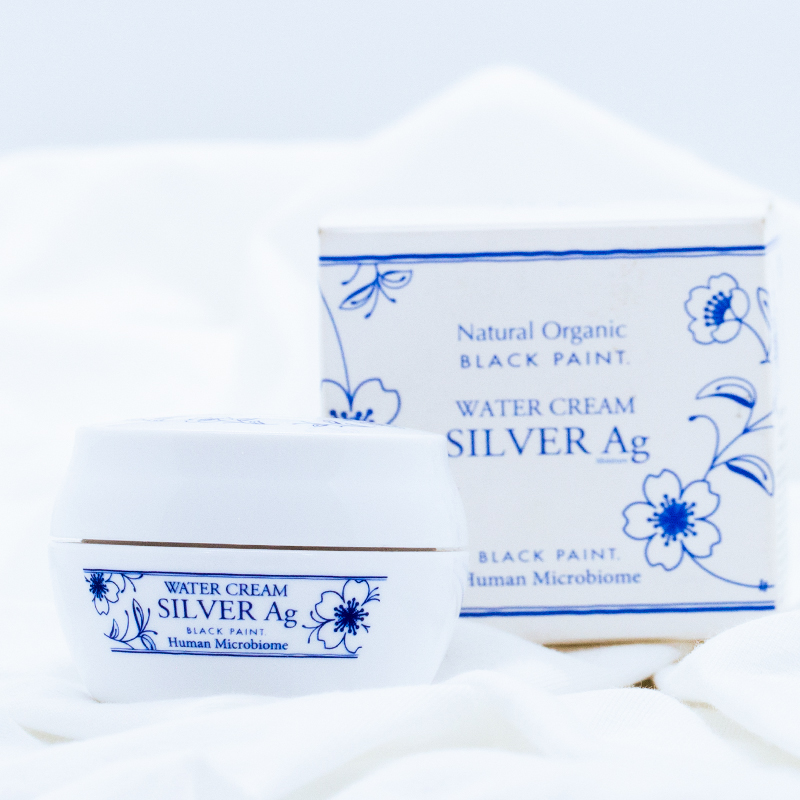 Water Cream is a dual-function moisturizer for skin protection and makeup primer
