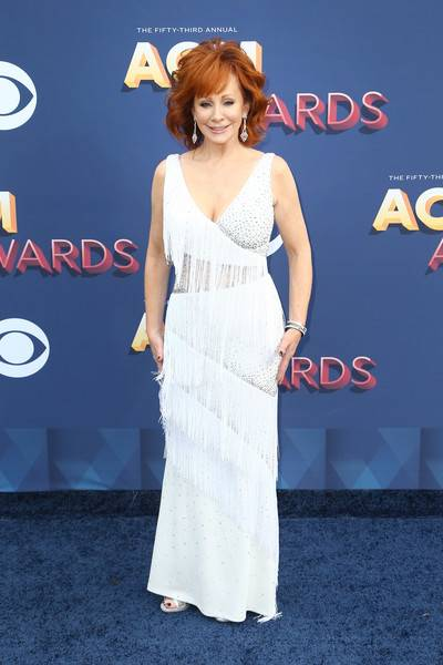 Reba McEntire Lifestyle, Wiki, Net Worth, Income, Salary, House, Cars, Favorites, Affairs, Awards, Family, Facts & Biography - 1564966223 162 Reba McEntire Lifestyle Wiki Net Worth Income Salary House Cars