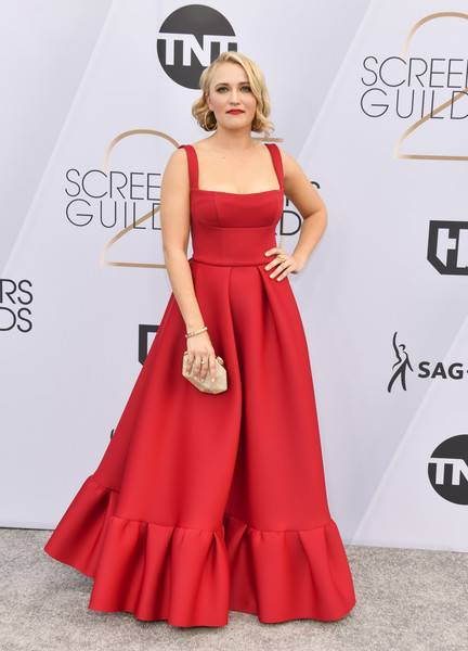 Emily Osment Lifestyle, Wiki, Net Worth, Income, Salary, House, Cars, Favorites, Affairs, Awards, Family, Facts & Biography - 1565053002 297 Emily Osment Lifestyle Wiki Net Worth Income Salary House Cars
