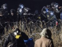 Police Attack On Dakota Access Pipeline Protest Results In 300 Injuries