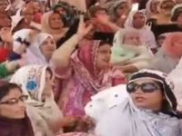 Pakistan: Lady Health Workers end demonstration after government agrees to demands