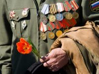 Victory Day! Russians Remembered Their 26 Million Dead Unaware of USA Having Armed Nazis to Invade?
