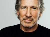 "Roger Waters Says, ""Hands Off Venezuela"""