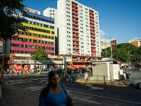 Photo credit/https://www.nytimes.com/2016/01/27/world/americas/foes-of-hugo-chavez-in-venezuela-see-opportunity-in-houses-he-built.html