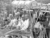 Narendra Modi to the left of LK Advani during his (W) rath Yatra-Courtesy Daily O