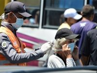 Venezuelans, and especially the elderly, have been encouraged to wear facemasks when out and about, and to try to stay home where possible. Photo: @jacoli44 / Twitter