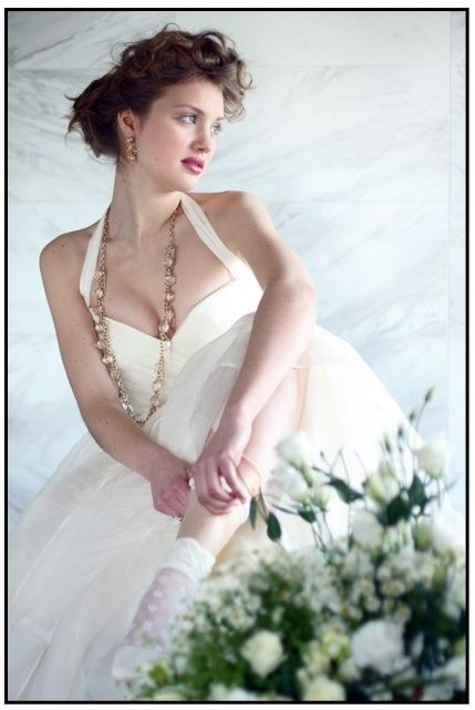 anne girl in wedding dress