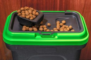 50 bl dog food container