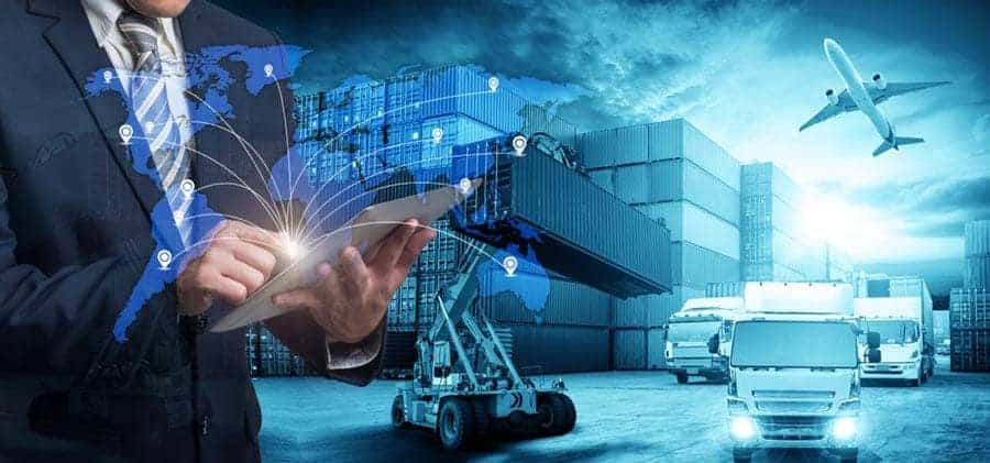 One of the greatest challenges in logistics is to connect the physical with the virtual world. In this interview, André Kaeber explains how it can be done. [shutterstock: 769253206, Travel mania]