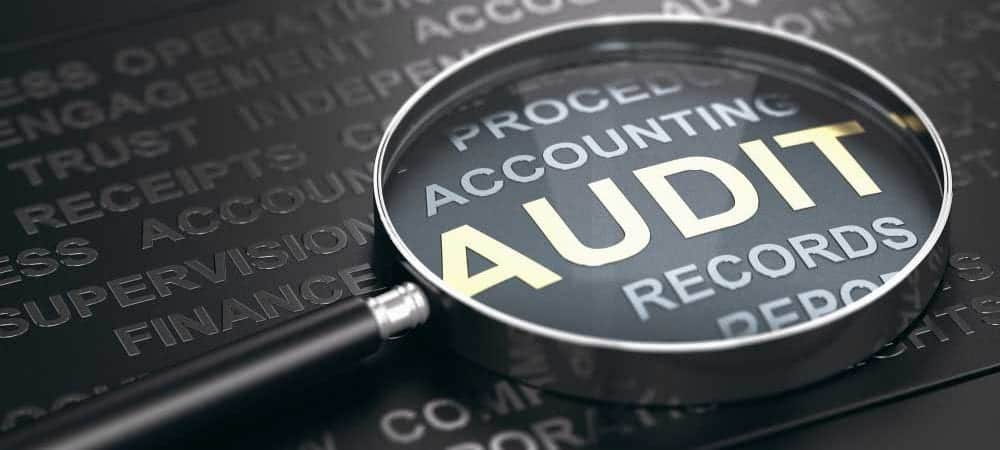 audit supervizor finance [shutterstock: 1479487709, Olivier Le Moal]