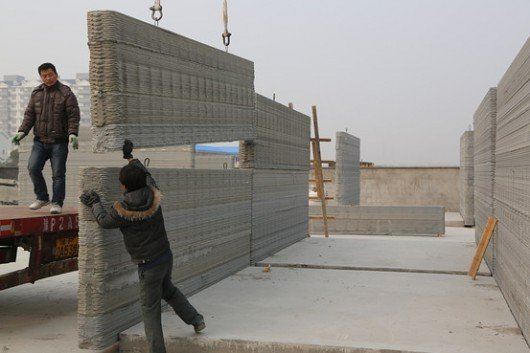 534f6c7fc07a80718e000082_chinese-firm-3d-prints-10-homes-in-24-hours_winsun_housing_project_ii-530x353