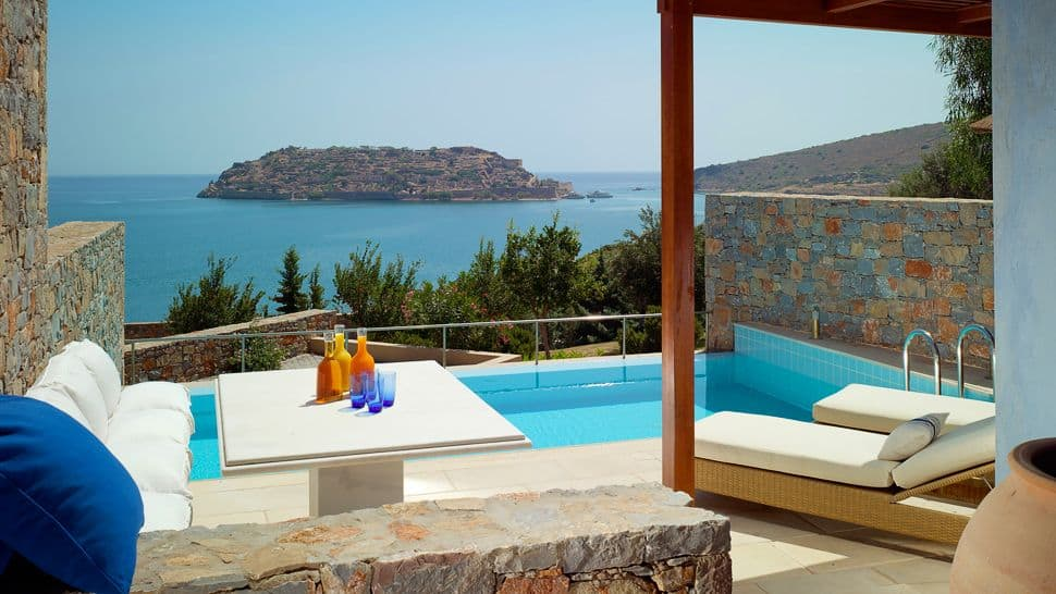002968-17-private-pool-sea-view