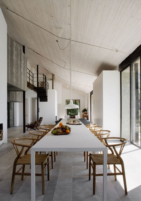 dezeen_Off-Grid-Home-in-Extremadura-by-Abaton_5