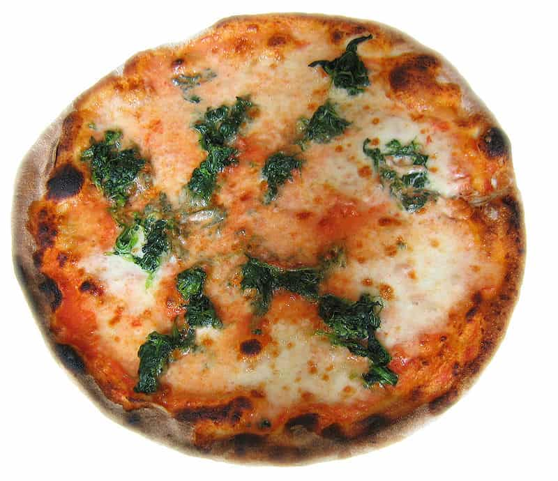 800px-Spinach_pizza
