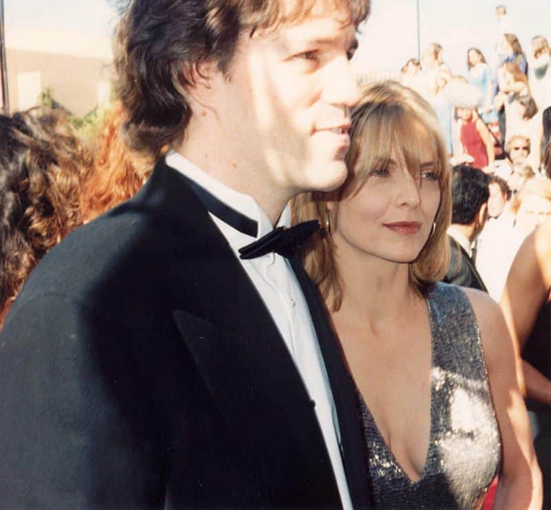 David_E._Kelley_and_Michelle_Pfeiffer_at_the_47th_Emmy_Awards_1994