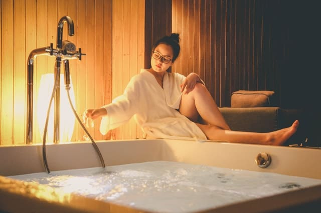 5 Very Icky Reasons Spas Can Be Toxic