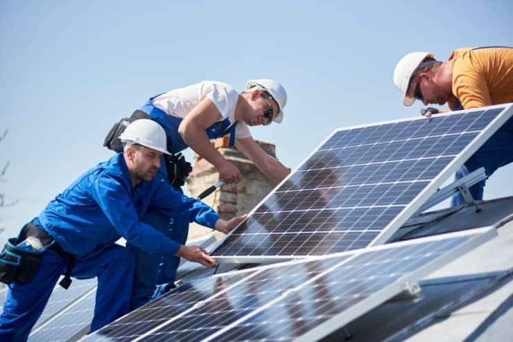 how to invest in green energy