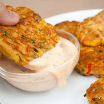 vegetable fritters with dip