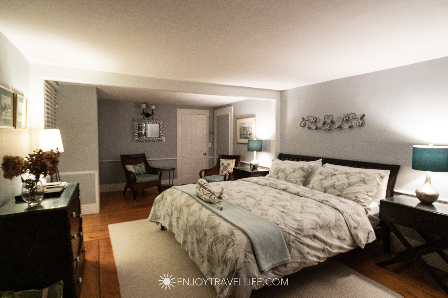 The Parsonage Inn Orleans Cape Cod Outer Cape Escape Mayberley Room