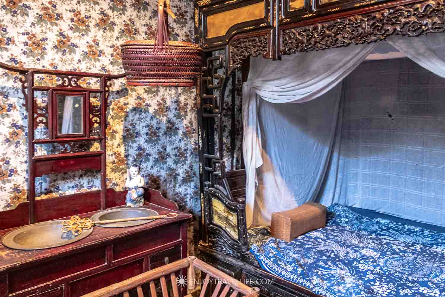Chinese House bedroom at the Peabody Essex Museum in Salem MA