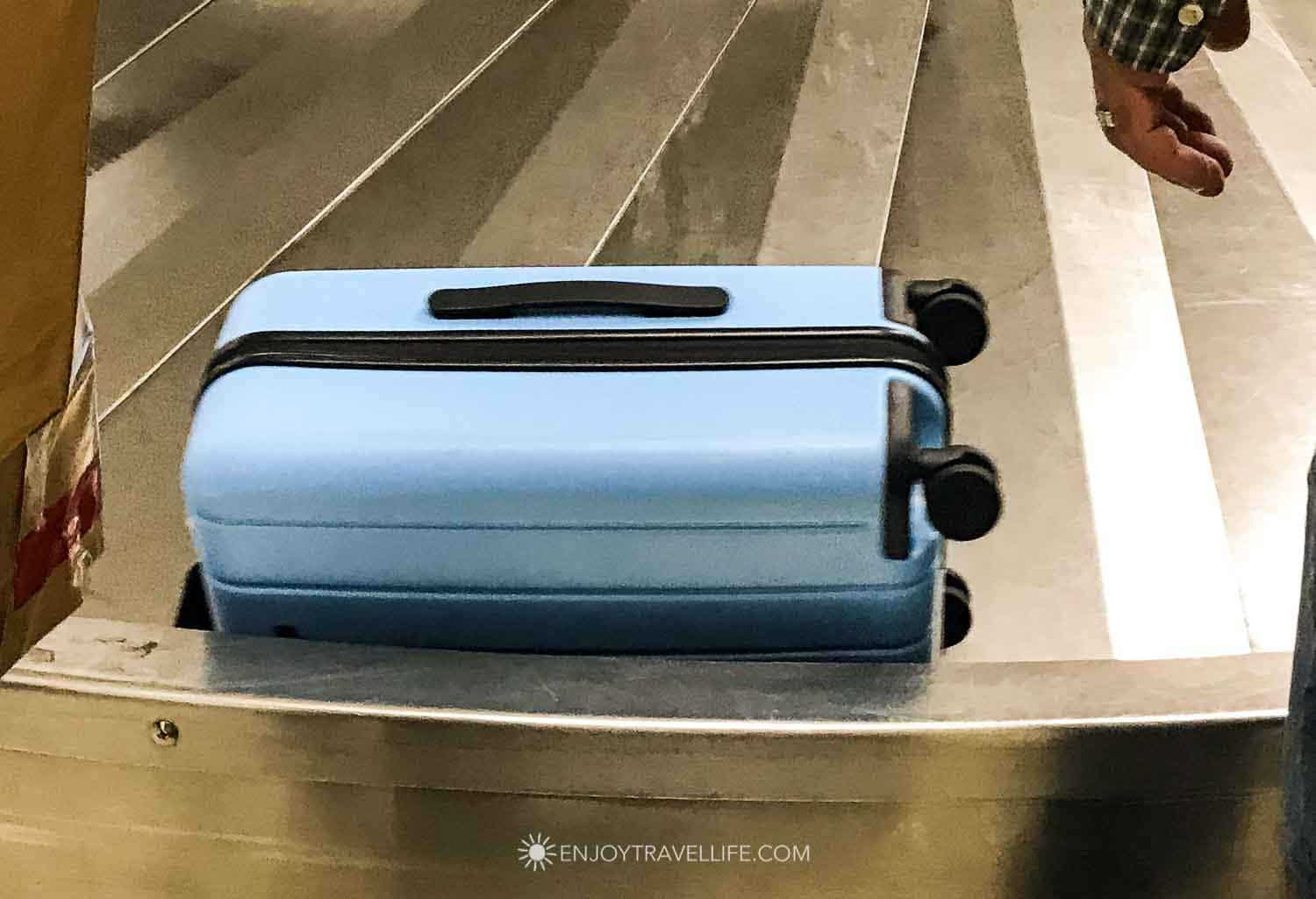 Chester Luggage Review: Minima Carry On Side Handle