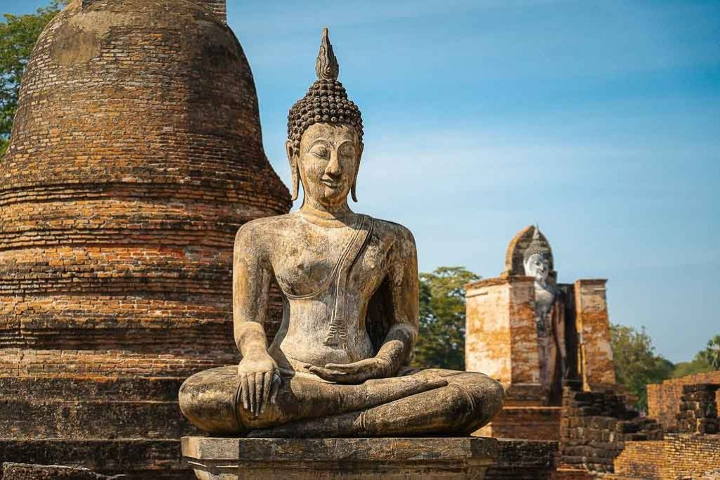 Do's and Don'ts In Thailand: Respect the Buddha