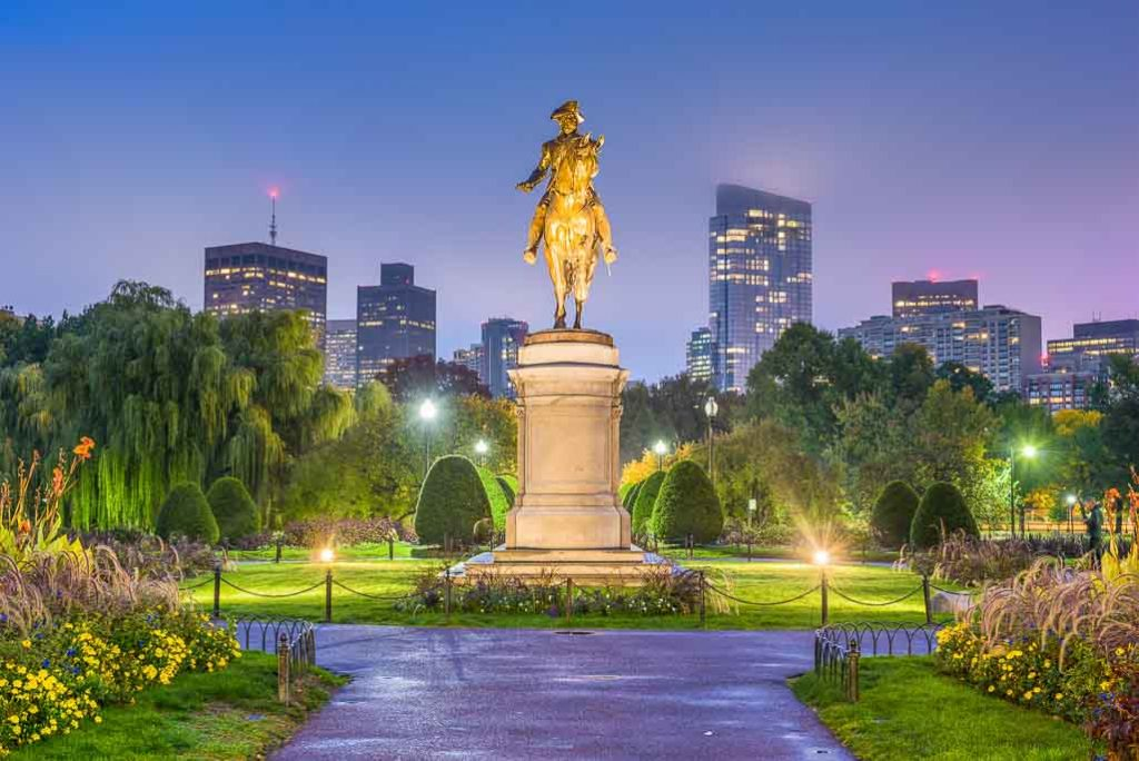 Best Haunted Houses in Boston: Paul Revere Statue at Boston Common at night