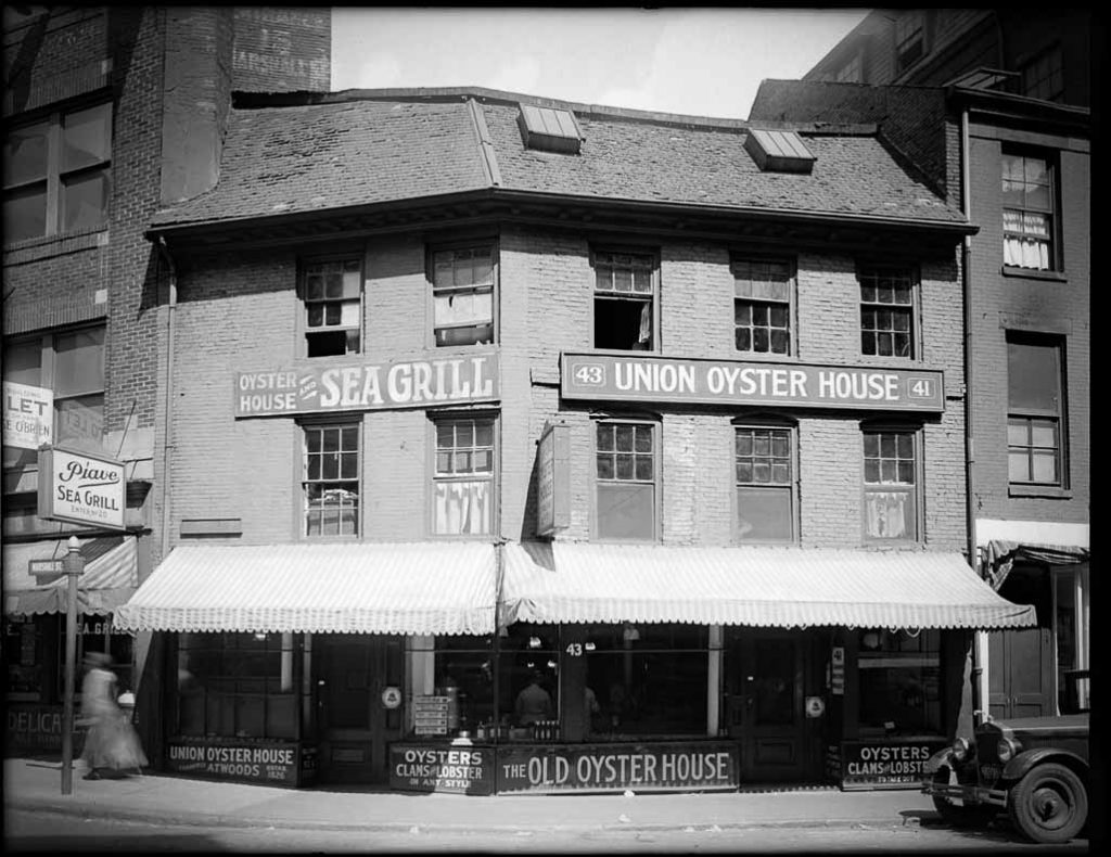 Best Haunted Houses in Boston: Union Oyster House