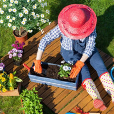 What to Wear When Gardening? Best Garden Clothes That Look and Feel Awesome!