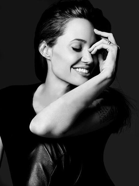Angelina Jolie hot wallpaper, images, pictures, Angelina Jolie HD wallpaper desktop iphone android
