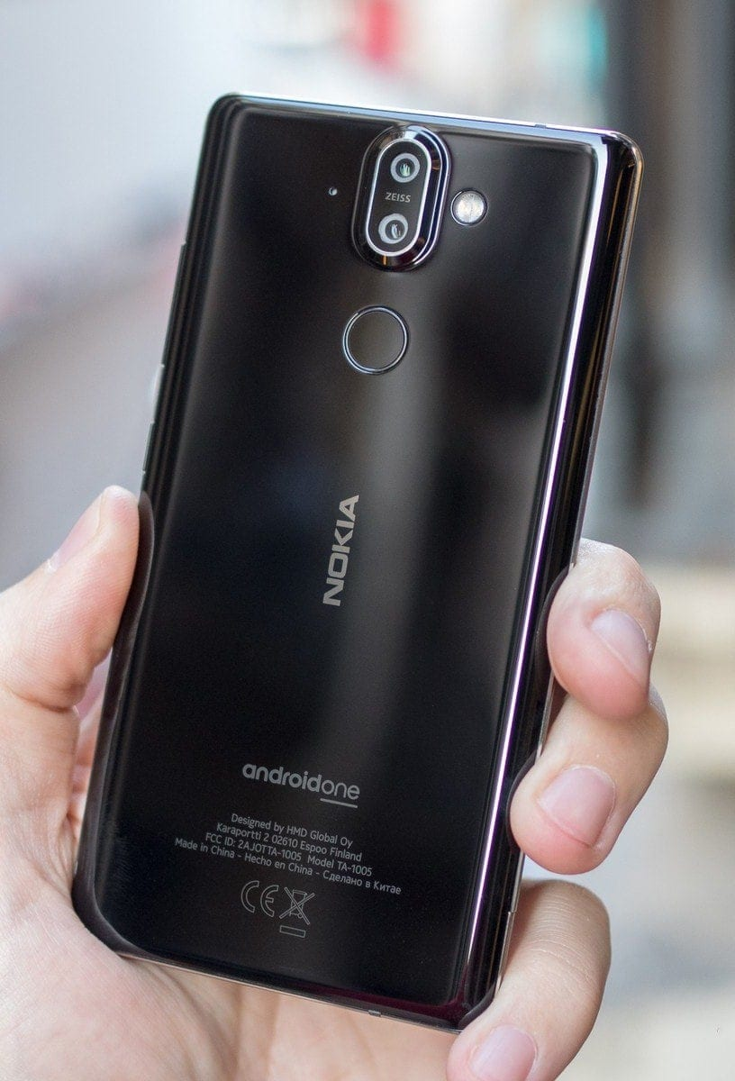 Nokia 8 Sirocco back view