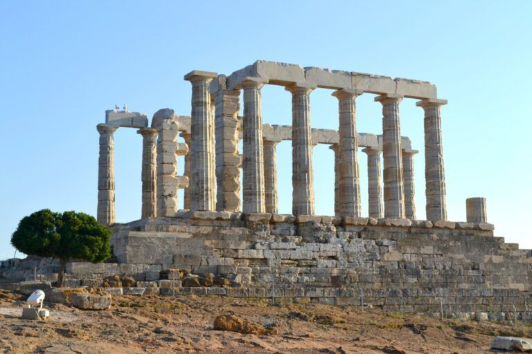 A day trip to Sounio. Visit the archaeological site and the Poseidon Temple